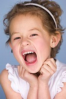 Portrait of a girl screaming (thumbnail)