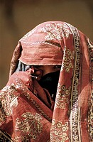 Yemen, Wadi Dahr, veiled woman