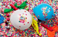 Celebrations : confetti and balloons