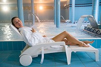 Therapeutic seawater pool (33ºC) with hydrojet, underwater massage jets, waterfalls, bubbles, shoulder and neck massage waterfalls, jacuzzis, against-...