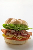 Ham, cheese, tomato and lettuce sandwich (thumbnail)