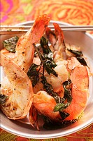 Fried shrimps with Thai basil
