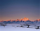 USA, Wyoming, Grand Teton National Park, Teton Range, sunrise, winter