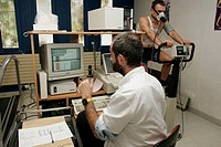 BREATHING, POTENCY TEST<BR>Photo essay from hospital.<BR>Sports medecine department at Salvatore Hospital at Marseille in France, 4 November 2004. Med...