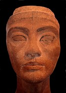 Egyptian Museum: head of Nefertiti. El Cairo, Egypt.