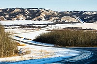 Road into Qu´Appelle River Valley. Saskatchewan, Canada