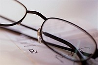 Eyeglasses and Prescription (thumbnail)