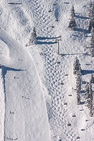 Austria, Vorarlberg, St.Gallenkirch, Skigebiet Silvretta novas, Skipisten, Chair lift, winters, overview highland, mountains, Montafon, tracks, depart...