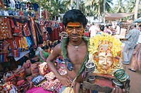 India, Goa, Anjuna, market, fakir, Half portrait  Asia, South Asia, souvenir sale, sale, souvenirs, Handicraft, Indians, man, face painting,  Cheek, n...