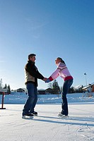 Eisfläche, couple, ice-skating, happy,    Series, 20-30 years, friends, friendship, ice-skating place, athletically, activity hobby sport, winter spor...