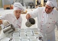 Soup, preparing canapes, Divinus Catering, San Sebastian, Donostia, Gipuzkoa, Basque Country