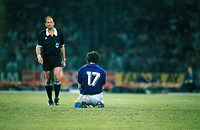 Sport / Sports, soccer, football, World Cup 1990, final round, semifinal, Italy against Argentina, 4:5 in Naples, Italy, 3 7 1990, scene with Roberto ...