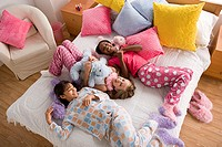 Girls at sleepover (thumbnail)