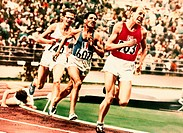 Zatopek, Emil, 16 9 1922 - 22 11 2000, Czech athlete athletics, full length, Olympic Games, Helsinki, 1952, runner, gold medal winner, sport,
