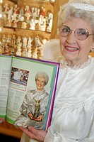 The Angel Museum, world´s largest collection, guide Joyce Berg. Guinness Book of World Records. Beloit. Wisconsin. USA