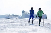 Langlaufloipe, pair, Langlaufen, series, winter-landscape, Loipe, people, 20-30 years, 30-40 years, long-runners, movement, athletes, sport, leisure t...