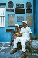 Sits Cuba, Matanzas, Museo histo-Rico Provincial, senior-pair, no models release, Central America, blue buildings, house-facade, writing-blackboards, ...