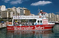 Island Malta, Sliema, bay Sliema Creek, shore-promenade ´The beach´ glass-ground-boat tourists no mr Maltese islands, Mediterranean-island, coast, har...