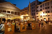 Outdoor dining at night amongst the historic treasures of Rome. The warm summer months sees many of Rome´s restaurants with tables outdoors for patron...