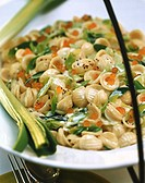 Pasta with leeks and salmon caviare in cream sauce 4