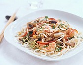 Rice noodles with shrimps and vegetables