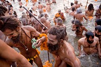 The big rush inside and outside of the sacred Ganges during the ardh khumbh mela held in Prayag in 2007