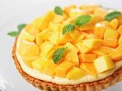 Papaya and mango tart