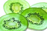 Close_up of slices of kiwi fruit