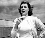 donna che starnutisce, 1950_1960