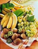 Bananas, kiwis and Italia grapes