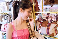 Thailand, Bangkok, Thai teenager shopping