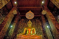 Thailand, Bangkok, Wat Mahathat in Ratanakosin, sitting Buddha