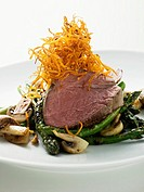 Beef fillet on green asparagus (thumbnail)