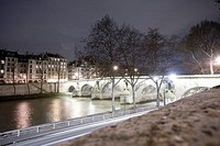 France, Paris, Seine, Quai des Celestins