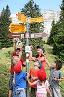 children, team, child team, pupil, signpost, signs, footpath, footpaths, mountains, Alps, excursion, Family, child, mo