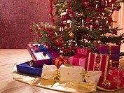 Presents under a Christmas tree (thumbnail)