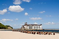 geography / travel, Germany, Mecklenburg-Western Pommerania, Island Rügen, Sellin, beaches, beach, pier, deck chairs, Europe, Mecklenburg Western Pomm...