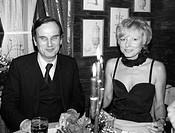 Fest, Joachim Clemens, 8 12 1926 - 11 9 2006, deut Historiker, Publizist und Schriftsteller, Halbfigur, mit Frau Korff, Restaurant, März 1980, Kerzenl...