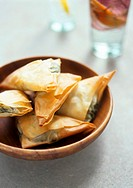 Filo pastries with spinach and goat´s cheese filling