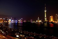 China, Shanghai, view of the Bund and Pudong at night