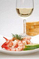 Shrimps and a glass of white wine