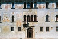 Facade painted by Marcello Fogolino, Palazzo Geremia (15th-16th century), Trento, Trentino-Alto Adige, Italy.