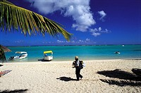 Mauritius, Morne Brabant, beach and itinerant seller