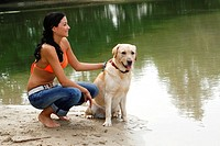 Woman, with, Labrador, Retriever,
