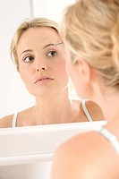 Woman, beauty, cosmetics, tweezers, , pluck, mirror image,
