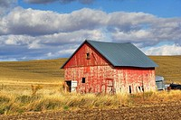 A old barn in the Palouse farming area of eastern Washington State, USA.