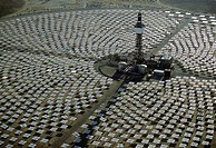Field of solar-power 10 megawatt heliostat mirrors, Daggett, California