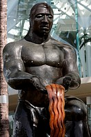 Close-up of a statue in front of a building, Honolulu, Oahu, Hawaii Islands, USA