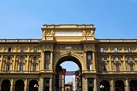 Low angle view of the entrance gate of a market square, Uffizi Museum, Florence, Tuscany, Italy
