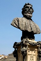 Bust of Benvenuto Cellini on a bridge, Ponte Vecchio, Florence, Tuscany, Italy